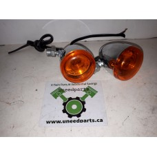 USED - Bullet style Front signal lights - Sportster/Dyna - wire ends cut off - OEM 68975-00 - ID 2067